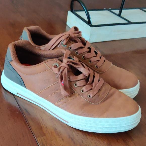 Men's Levi casual shoe size 9